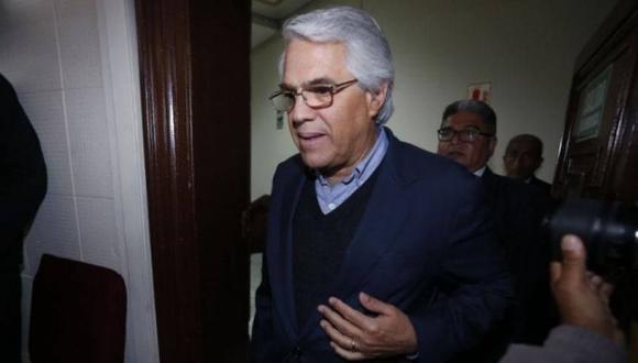 El anuncio de la renuncia de Gino Costa se suma a las de Alberto de Belaunde y Vicente Zeballos. (Foto: Hugo Pérez/ El Comercio)