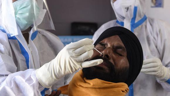 Pruebas de coronavirus en la India. (Foto: AFP)
