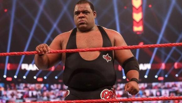 El luchador no podrá estar presente en el Elimination Chamber 2021 y hay un cambio en la cartelera oficial