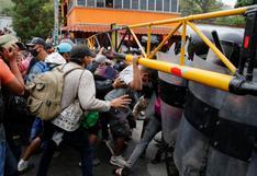 Caravana de migrantes rumbo a EE.UU. choca con nuevo cerco en Guatemala | FOTOS