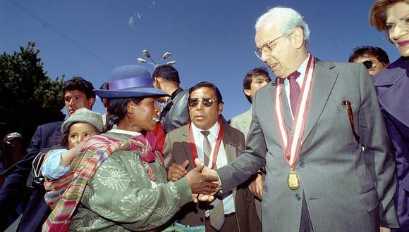 Javier Pérez de Cuéllar, en la década del 90, cuando fue candidato a la Presidencia de la República por el partido Unión por el Perú (UPP). (Foto: GEC)