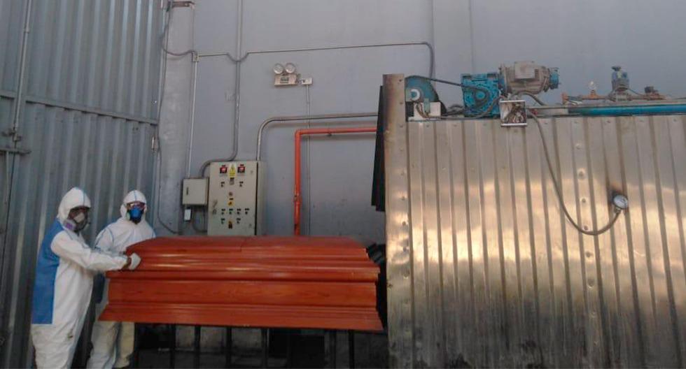 El crematorio del cementerio de la policía en Chorrillos es uno de los que más cadáveres de personas fallecidas por COVID-19 está atendiendo.