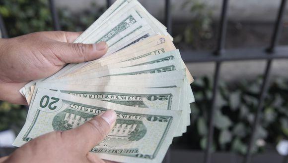 En el mercado paralelo o informal, el tipo de cambio se cotizaba a S/ 3.480 la venta. (Foto: GEC)