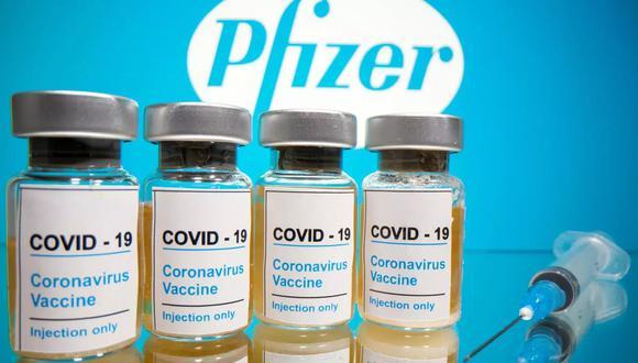 Un lote importante de vacunas Pfizer llegarán este miércoles a Perú. (Foto: Reuters)