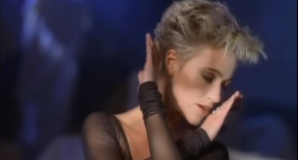 """Marie Fredriksson en el videoclip oficial de """"It Must Have Been Love"""". Foto: YouTube."""