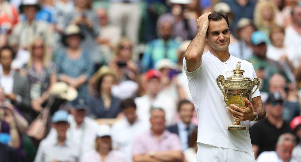 Al parecer Federer no podía creer su victoria en la final de Wimbledon 2017. (Foto: AFP)