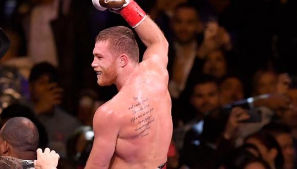 Tras vencer a su oponente el último sábado, usuarios se preguntaron que significaba el tatuaje que lleva en su espalda.