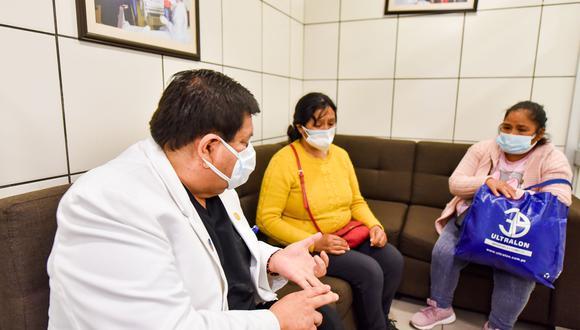 Los padres de las niñas reciben ayuda psicológica y alimentación de parte del hospital. (Foto: INSN)