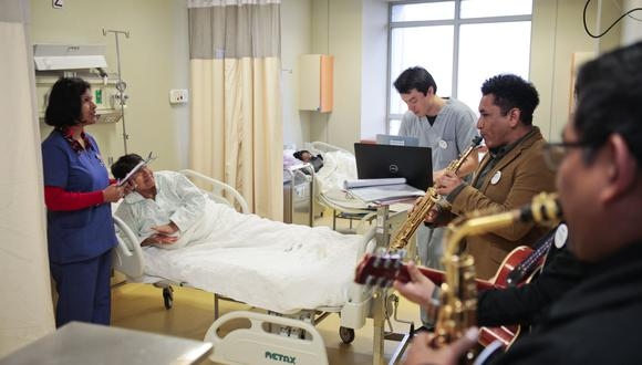 La musicoterapia es una intervención que tiene beneficios terapéuticos y es usada en otros países. (Foto: Andina)