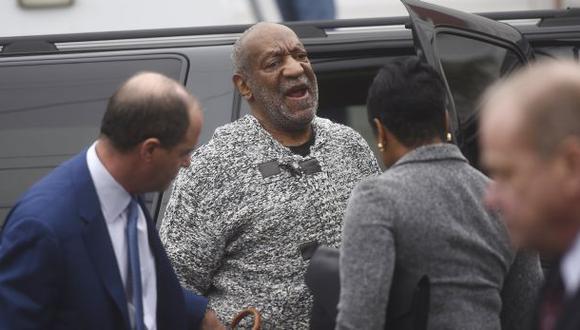 Bill Cosby pide desestimen su procesamiento por agresión sexual
