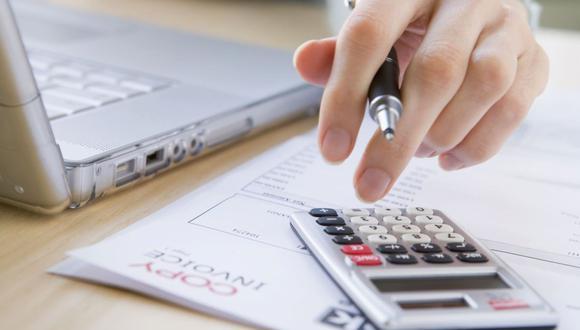 Es fundamental saber cómo organizar este dinero extra para amortiguar las deudas. (Foto: GEC)