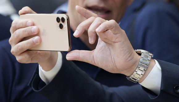 Según Rian Johnson, director de Entre navajas y secretos (Knives out) y Star Wars: El último Jedi, Apple exige que sus dispositivos no sean utilizados por los villanos de turno. (Foto referencial: Agencias)