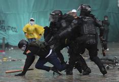 """""""Lo que más nos impacta es la violencia y la represión"""": Los escalofriantes testimonios de peruanos en Colombia"""