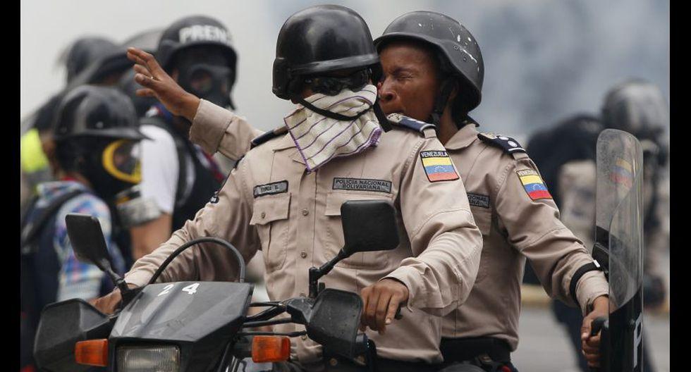 Venezuela: Duros enfrentamientos en calles de Caracas [FOTOS] - 33