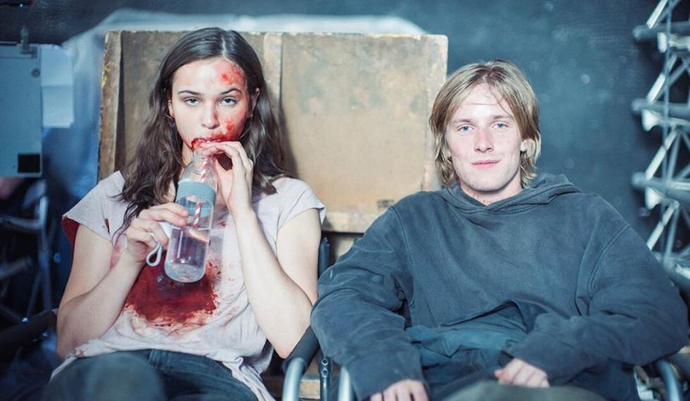 """La amor adolescente en la serie """"Dark"""" estuvo protagonizado por  Jonas Kahnwald (Louis Hofmann) y Martha Nielsen (Lisa Vacari). (@baranboodar)."""