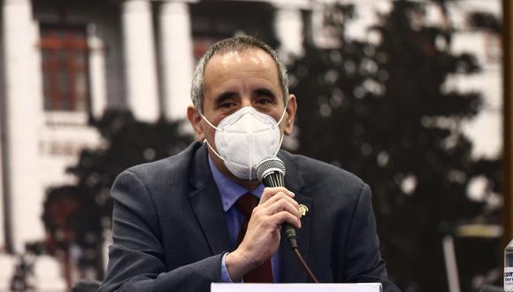 Ricardo Burga, vocero alterno de Acción Popular, indicó que si Incháustegui no da los nombres lo denunciarán civil y penalmente. (Grupo El Comercio)