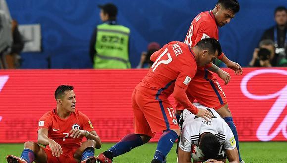 Gary Medel, mediocampista de la selección chilena, recurrió a una táctica desleal contra Emre Can en la final de la Copa Confederaciones. ¿Alguien dijo algo al respecto? (Foto: AFP)