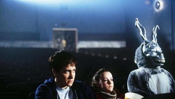 """Escena emblemática de la película """"Donnie Darko"""" desarrollada en un cine. Volver a esta """"normalidad"""" tras el coronavirus no será fácil, pero hay mercados que ya lo intentan. Foto: Pandora Cinema"""