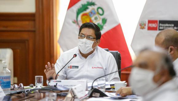 """El presidente del Consejo de Ministros remarcó que """"en ningún momento se ha puesto en tela de juicio el trabajo del ministro de Salud, Víctor Zamora"""". (Foto: PCM)"""