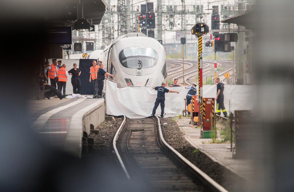 El africano que mató a un niño al lanzarlo a un tren en Alemania y la repercusión del crimen. Foto: AFP