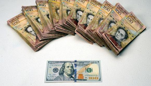 El dólar cotizaba a 5.885,22 bolívares soberanos en Venezuela este jueves. (Foto: AFP)