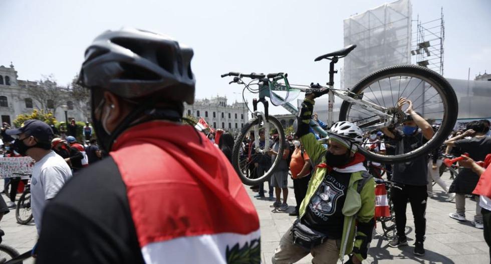 En Lima, una ciudad tomada desde hace décadas por un transporte caótico e informal, montar bicicleta también es una forma de hacer política. (Foto: Jesús Saucedo/GEC)
