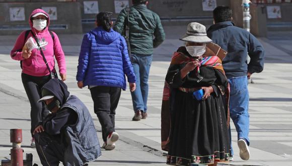 Una mujer indígena de la región de Potosí es vista en la ciudad de La Paz (Bolivia). (Foto: EFE/Martín Alipaz/Archivo).