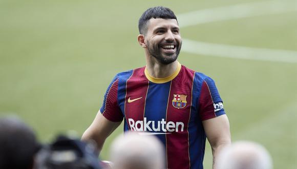 Misterio revelado: 'Kun' Agüero no usará la '10′ dejada por Messi en el Barcelona. (Foto: EFE)