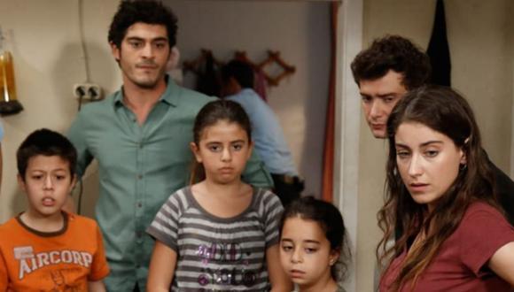 """""""Nuestra historia"""" es un emotivo relato de supervivencia cotidiana, romance y amor fraternal  (Foto: Fox Turquía)"""