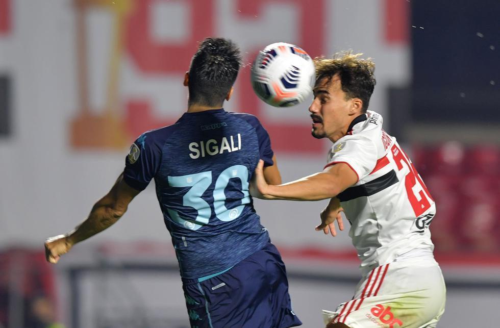 Racing enfrentó a Sao Paulo por la ida de los octavos de final de la Copa Libertadores 2021