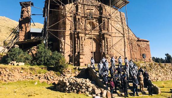 En este templo se habría oficiado por primera vez una misa en idioma aimara, acto litúrgico celebrado por el sacerdote jesuita Alonso de Barzana (Radio Católica Onda azul)