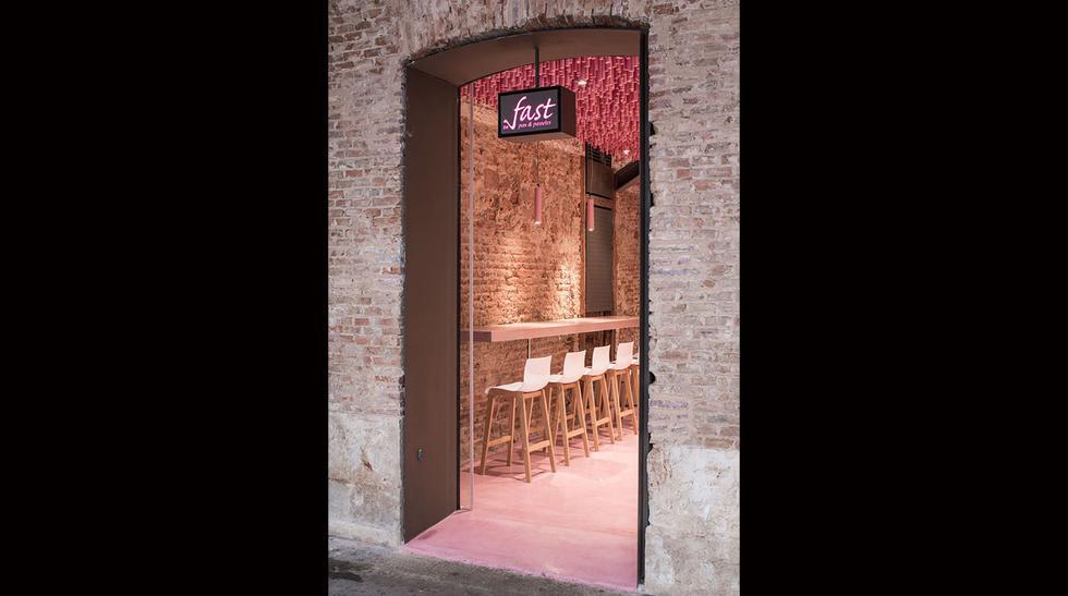 Esta panadería llama la atención por su increíble techo rosado - 6