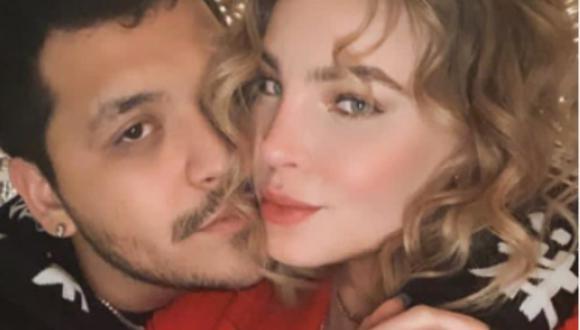 Belinda y Christian Nodal celebran su primer aniversario de novios con romántica cena. (Foto: Instagram).