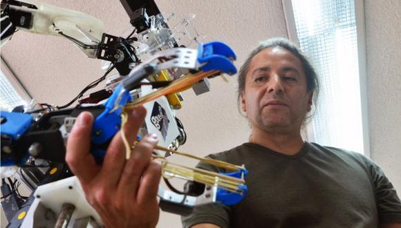 La empresa Laidetec, crea el robot Centurión / Foto: Agencia EFE