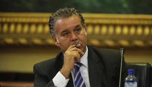 Según la Procuraduría Anticorrupción del Callao, Víctor Albrecht y otros dos miembros del comité que permitió que Petramás operara en el botadero La Cucaracha cometieron delito. (Archivo El Comercio)
