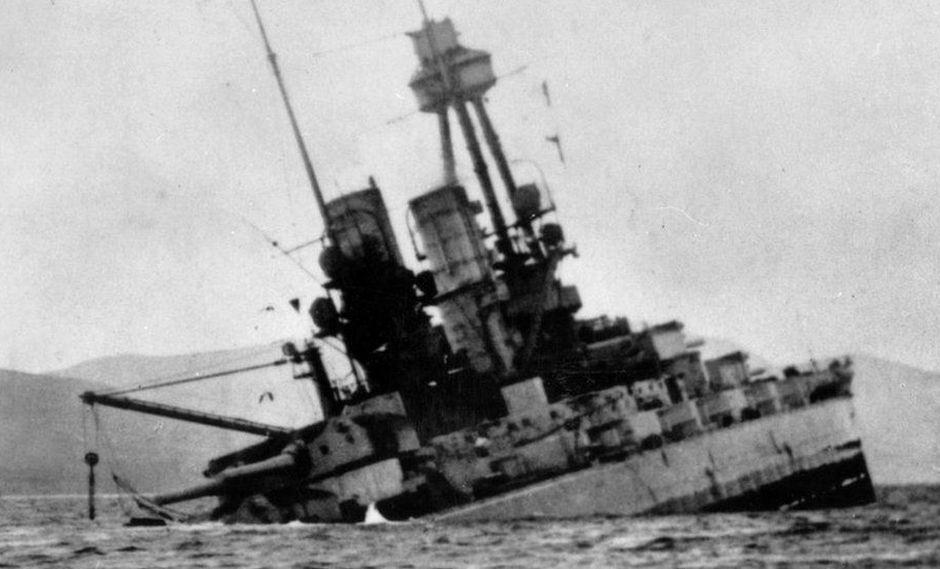 """Para los alemanes, el hundimiento de su flota Scapa Flow borró la """"mancha de la rendición""""."""