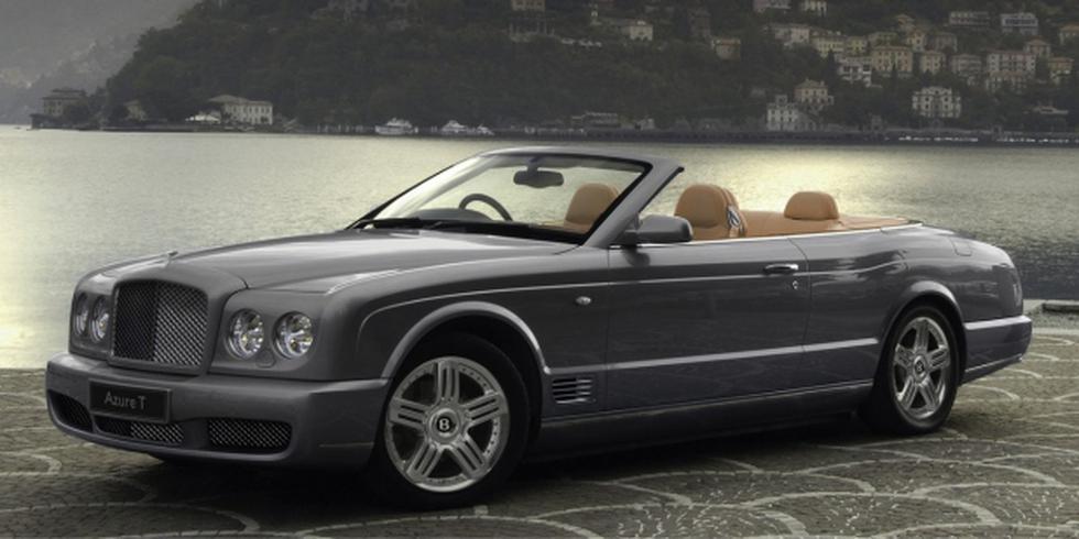 Bentley Azure. Este automóvil gran turismo descapotable es la perfecta definición de lujo, pues posee un diseño que mezcla lo elegante y deportivo. Entre sus principales característica destaca su capacidad de acelerar de 0 a 60 mph en 5,6 segundos. (Foto: Difusión)