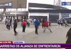 Alianza Lima: barristas del equipo victoriano se enfrentaron con piedras y bombardas frente a policías | VIDEO