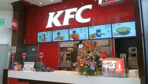 ¿Pasar una semana en KFC ayuda a olvidar a tu ex?