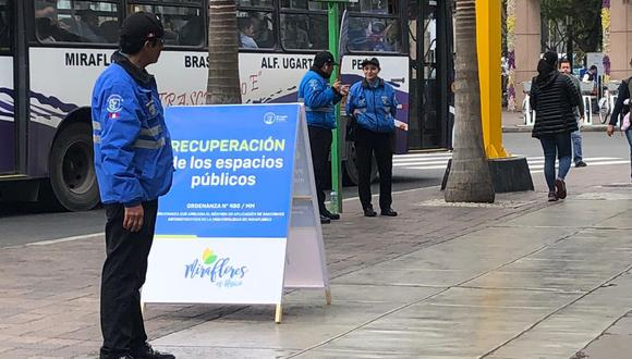 Así luce Miraflores durante el primer día de la ordenanza que prohíbe cambistas en la calle. (Foto: El Comercio)