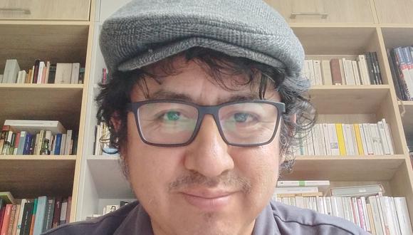 """Filósofo Rubén Quiroz Ávila, autor de """"Katarsis"""", un libro que analizar diversas obras teatrales estrenadas en nuestro medio en los últimos tiempos. Foto: archivo personal."""