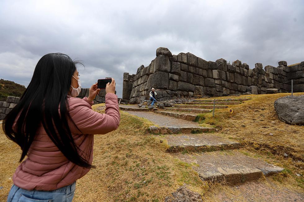 Los grupos de amigos retomaron sus planes de viaje empezando por Cusco y aprovechando la reapertura de los sitios arqueológicos. (Foto: Melissa Valdivia)