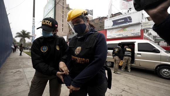 Karem Roca, exfuncionaria de Palacio de Gobierno, fue trasladada a la Prefectura, en el Cercado de Lima. (FOTO : LEANDRO BRITTO /  @photo.gec)