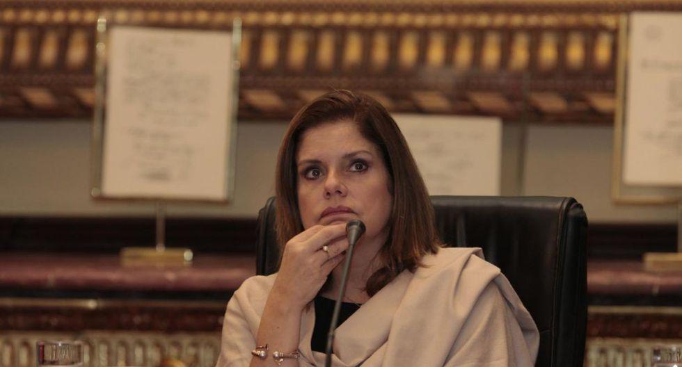 Ana Teresa Revilla , titular del Minjus, dijo a El Comercio que este último martes 29 se entregó al presidente Martín Vizcarra una opinión legal sobre la situación de Araoz. En el documento se afirma que esta continuaría siendo vicepresidenta.  (Foto: GEC/Archivo)