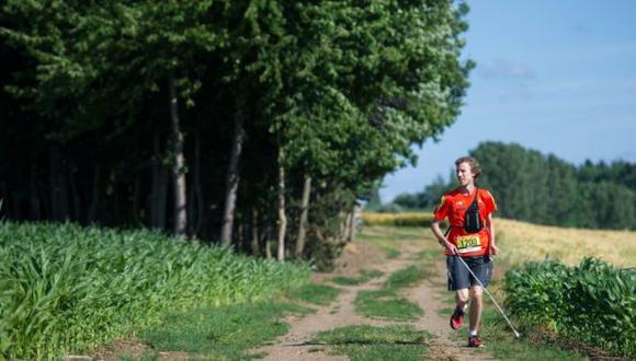 Atleta con deficiencia visual completa carrera gracias a un GPS