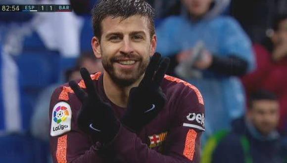 Gerard Piqué mandó a guardar silencio a todos los seguidores del Espanyol luego de anotar el gol del empate en el derbi catalán. (Foto: captura de video)