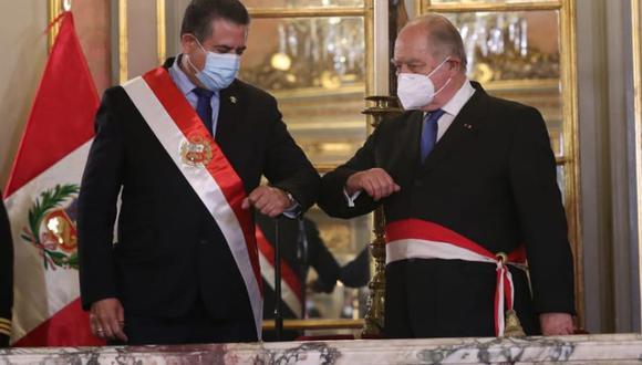 Ántero Flores-Aráoz asume la presidencia del Consejo de Ministros del gobierno de Manuel Merino de Lama, una gestión emanada de una decisión del Congreso. (Foto: Presidencia)