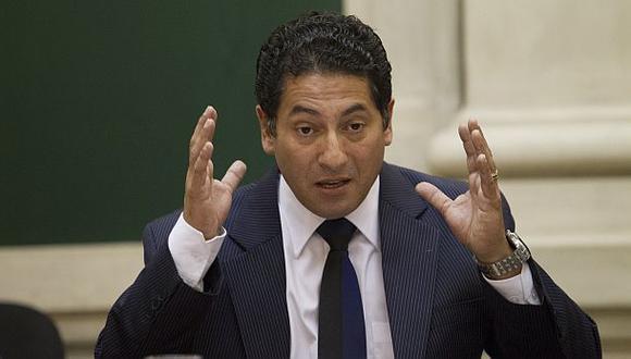 """Heresi ve """"nerviosismo"""" en acusación de abogado de Castañeda"""