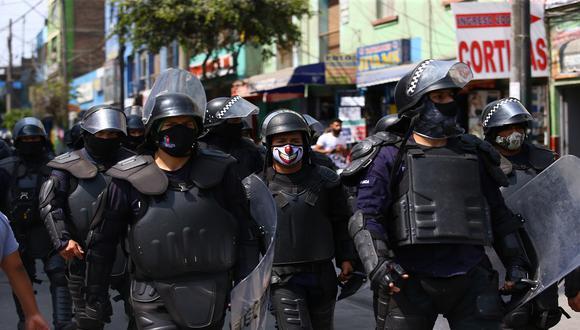 Presencia policial y municipal permite evitar aglomeración de ambulantes en los alrededores de Gamarra. (Foto: Fernando Sangama/GEC)