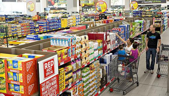 En julio, la inflación subyacente (excluyendo la energía y alimentación) se elevó 2.4% en Estados Unidos, según datos oficiales. (Foto: AFP)